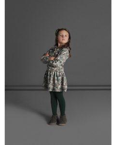 Девочка в колготках Huggy